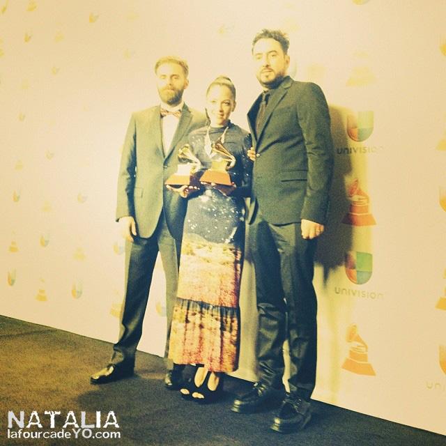 nl_latingrammy_premios05-sello