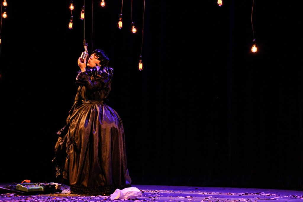 obra-teatro-limbo-poster-especial-natalia-lafourcade-reina