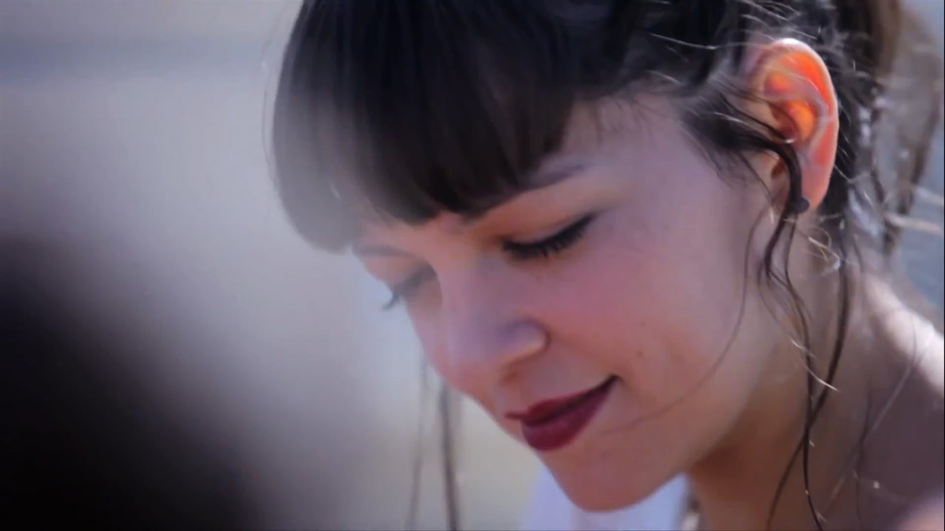 video-natalia-lafourcade-aventurera-acustica
